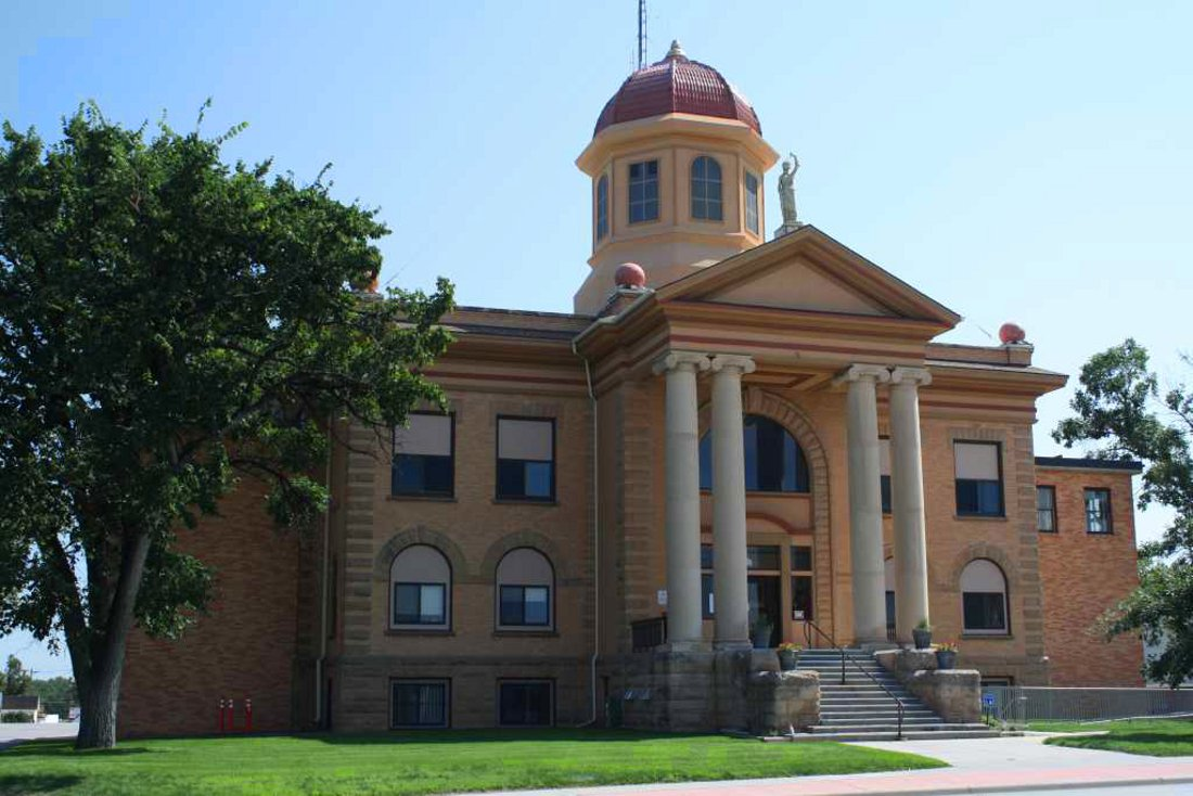 Butte_County_Courthouse,_Belle_Fourche,_South_Dakota
